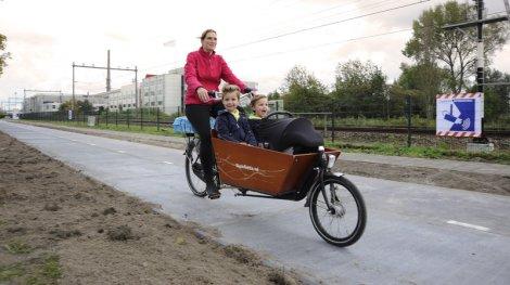 solaroad-bike-path_wide-132bc137daeb25c423e6a81154984a3ee5d5a10c-s800-c85